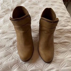 Size 7.5 ankle boots